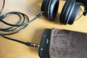 Kabel an Geräte